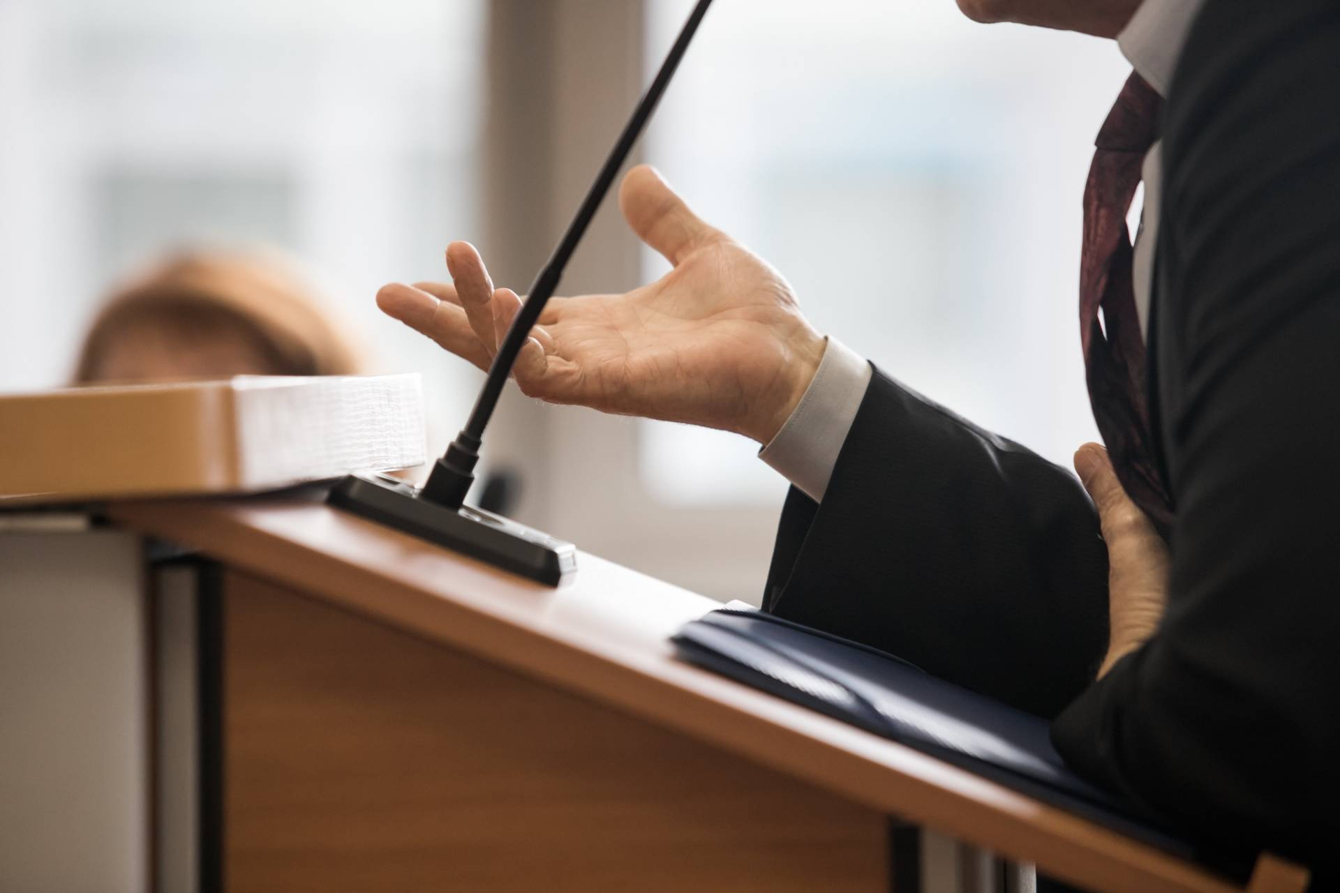 An expert witness will give your car accident injury case credibility.